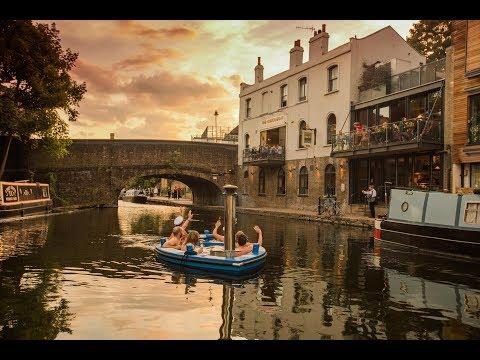 Driving A Hot Tub Along Regents Canal?!