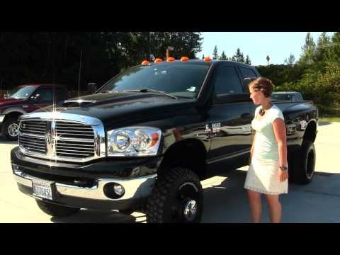 Virtual Walk Around Tour of a 2009 Dodge Ram 3500 HD Big Horn at Marysville Ford NT5330A