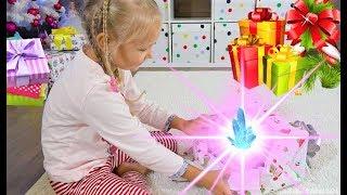 Утро Алисы в День Рождения 6 лет ! Много подарков !!