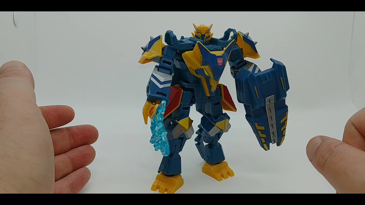 Chuck's Reviews Transformers Deluxe Class Thunderhowl