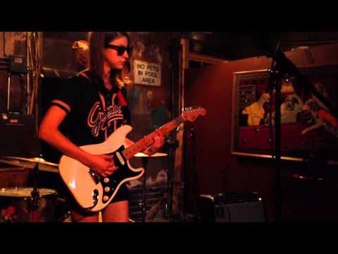 Colleen Green 'I Wanna Be Degraded' / 'Mike' - Oct. 15, 2013 mp3