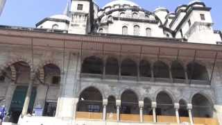 Стамбул  Новая мечеть  Istanbul  new Mosque(Но́вая Мече́ть (Йени́-Джами́; тур. Yeni Cami), также известная как Мече́ть Валиде́ Султа́н. Она находится районе..., 2015-03-26T00:38:53.000Z)