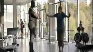 Solsidan - Anna tränar på gymmet!