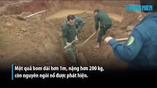 """Tá hỏa vì đào được bom """"khủng"""" khi xây trường mầm non"""