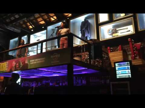 Uptown funk - karaoke - Hard Rock Cafe