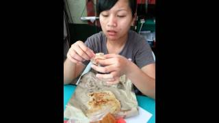 Sabah gal eating 10 roti cannai in one go