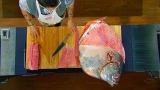 А вы смогли бы разделать такого монстра ?  разделка лунной рыбы
