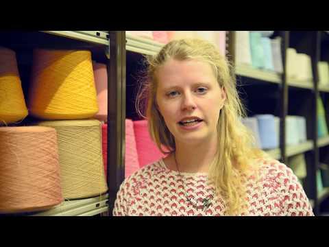 Carina - Modeschneiderin und Studium Mode- und Textildesign