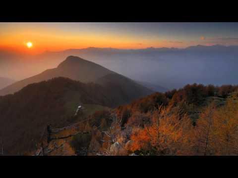 Oghia and Mervox - Horizontal Glow (Phosphor Remix)