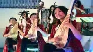 12 Girls Band - Joy To The World (12 Girls Of Christmas)