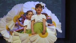 """Видеосъемка детских мероприятий. Весенняя капель 2018. Танец """"Ромашки""""."""