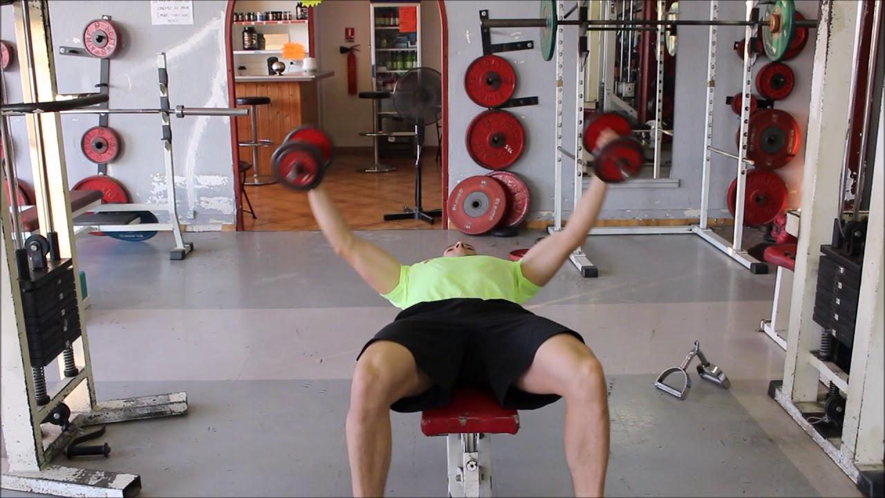 Ecarté couché avec haltères : un exercice de finition pour les pectoraux ! - YouTube
