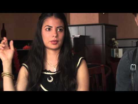 School Of Seven Bells 2010 interview - Benjamin, Alejandra and Claudia (part 4)
