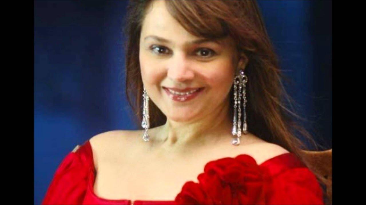 Alisha Chinai Age, Husband, Children, Family, Biography