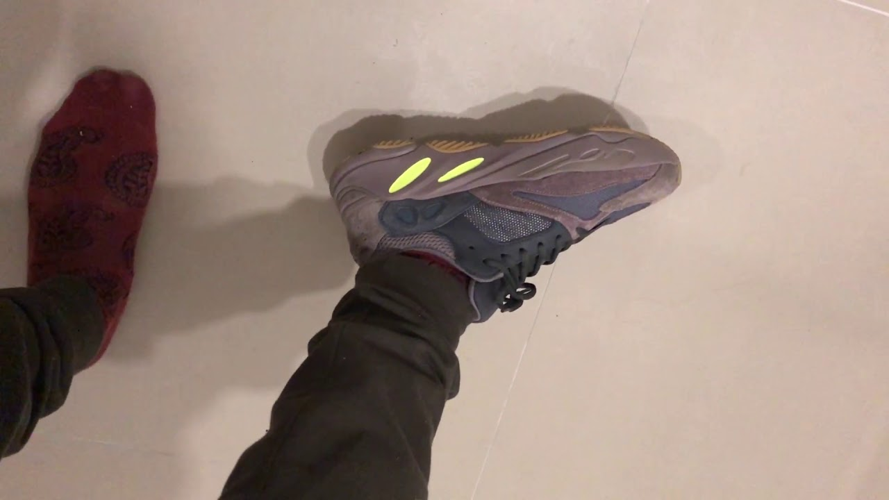 728a100c983c Adidas Yeezy Boost 700 Mauve (On the feet and sizing) - YouTube