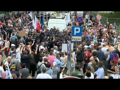 Protestos em Varsóvia contra reforma judicial