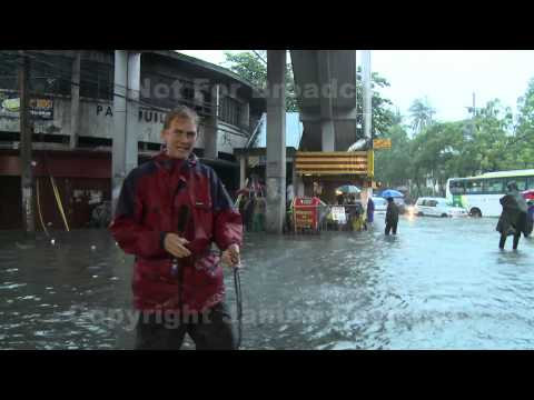Flood Chaos In Manila Philippines 8th August 2012