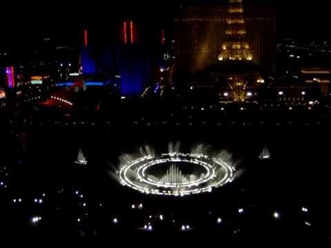 Bellagio las vegas fountain show at night youtube for Las vegas fountain