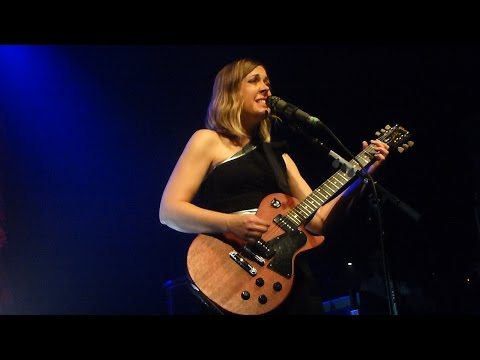 Sleater-Kinney - Words and guitar - Live Paris 2015 mp3