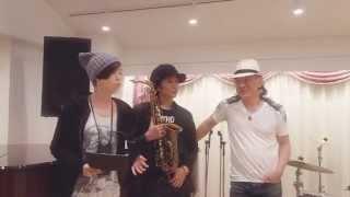 武田真治くんのデビュー25周年記念ツアーを真治くんとフラプラの3人で...