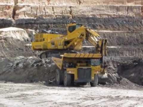 Excavator Komatsu Pc Bench Loading Freedig Material