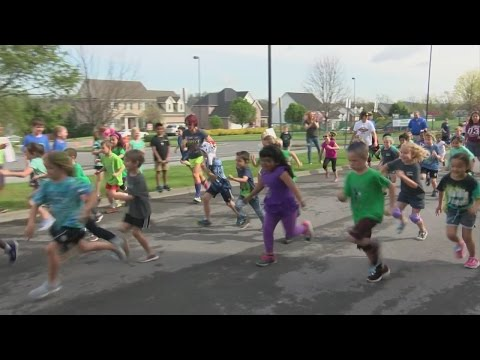 Lake Ridge School walk-a-thon raises money for school needs