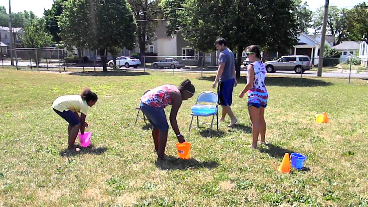 Super Soaker Obstacle Course - Kid's Camp 2011 - YouTube