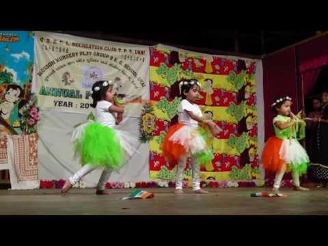 Desh rangila school kids superb dance.