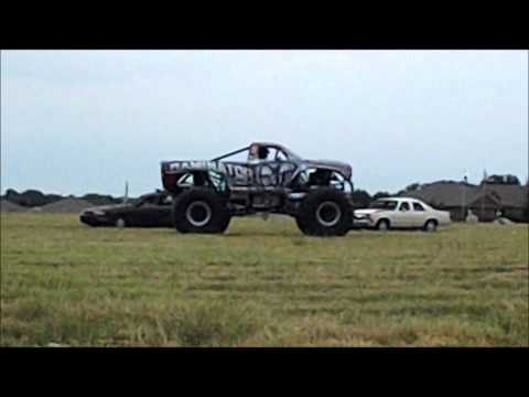 Video 1 Raminator Monster Truck at Mike Brown Auto September 2012 in Granbury, TX 76049