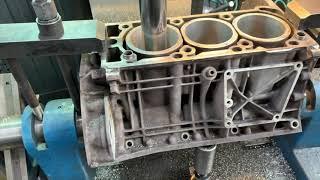 Запчасти в работе: ремонт блока двигателя 3.5л бензин M272 / 272.972 от Mercedes E350 (W211)
