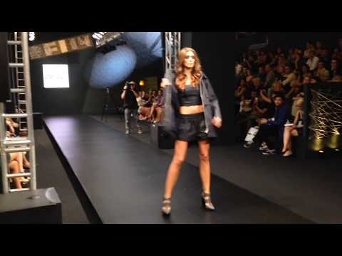 Desfile da Colcci no Donna Fashion Iguatemi 2014