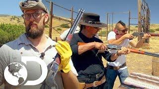 ¡A entrenar con pistolas de vaqueros! | Mythbusters: Los cazadores de mitos |Discovery Latinoamérica