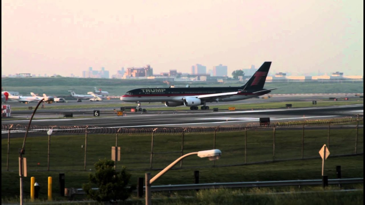 Donald Trump's New Boeing 757 Lands in New York for the ...