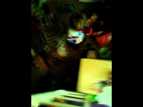 Andrew Benjamin robins 1 year old speaking Japanes