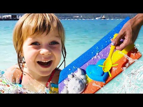 Бьянка и Маша Капуки на море в Турции играют в песок — Привет, Бьянка!