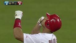 Pujols connects for his 2,000th career hit