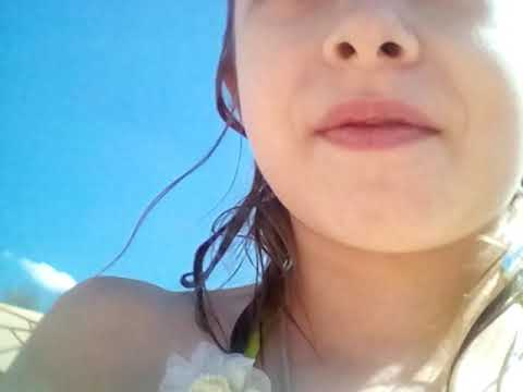 Я в центральном парке купаюсь  и загораю