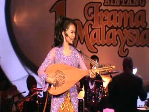 Fauziah Gambus-Laksmana Raja Di Laut Live.wmv