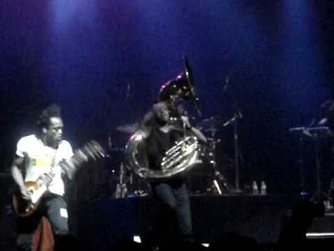 """The Roots """"Quills/Step into this Realm"""" - live"""