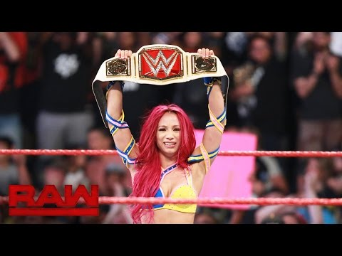 Sasha Banks vs. Charlotte - WWE Women's Championship Match: Raw, July 25, 2016