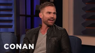 "Seann William Scott Thought ""Dude, Where's My Car?"" Deserved An Oscar - CONAN on TBS"
