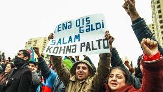 Баку: против повышения цен на топливо(В воскресенье 15 декабря в Ясамальском районе Баку прошел митинг протеста против повышения цен на бензин..., 2013-12-15T20:46:59.000Z)