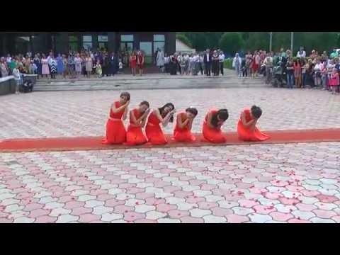 Сокирянська гімназія, танець випускників