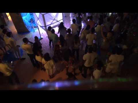 Costa Pacifica: Fiesta Noche de Blanco