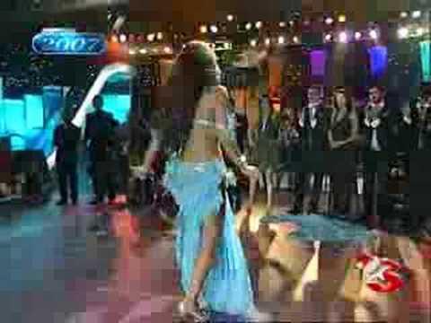 Popstar Alaturka Nuran Sultan Dans