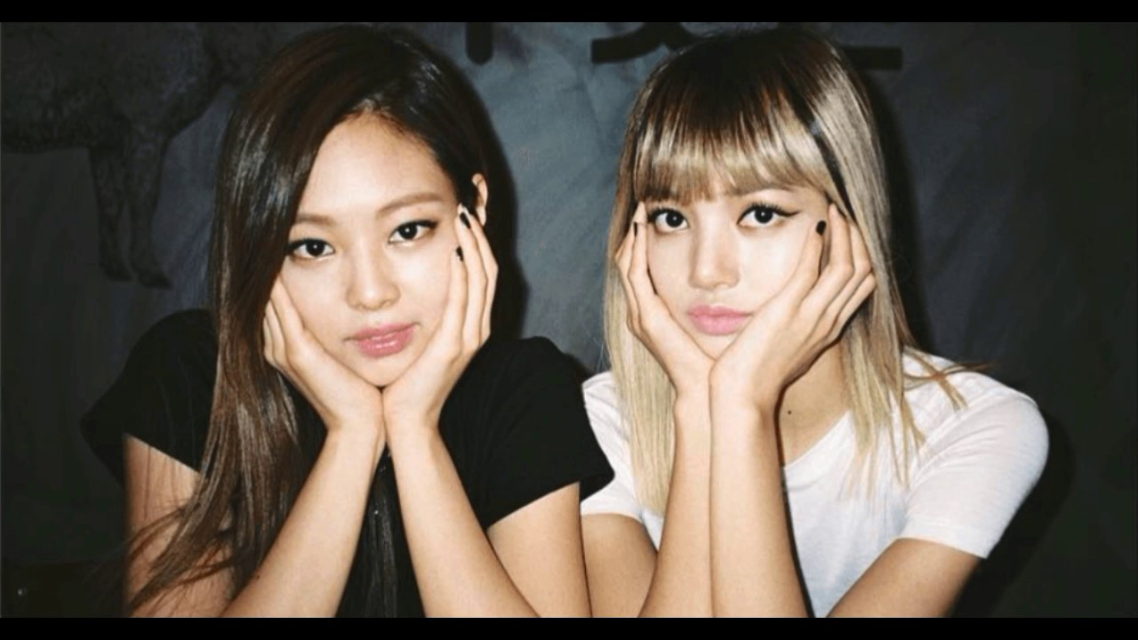 BLACKPINK -JENNIE AND LISA | The complicated relationship - 2017