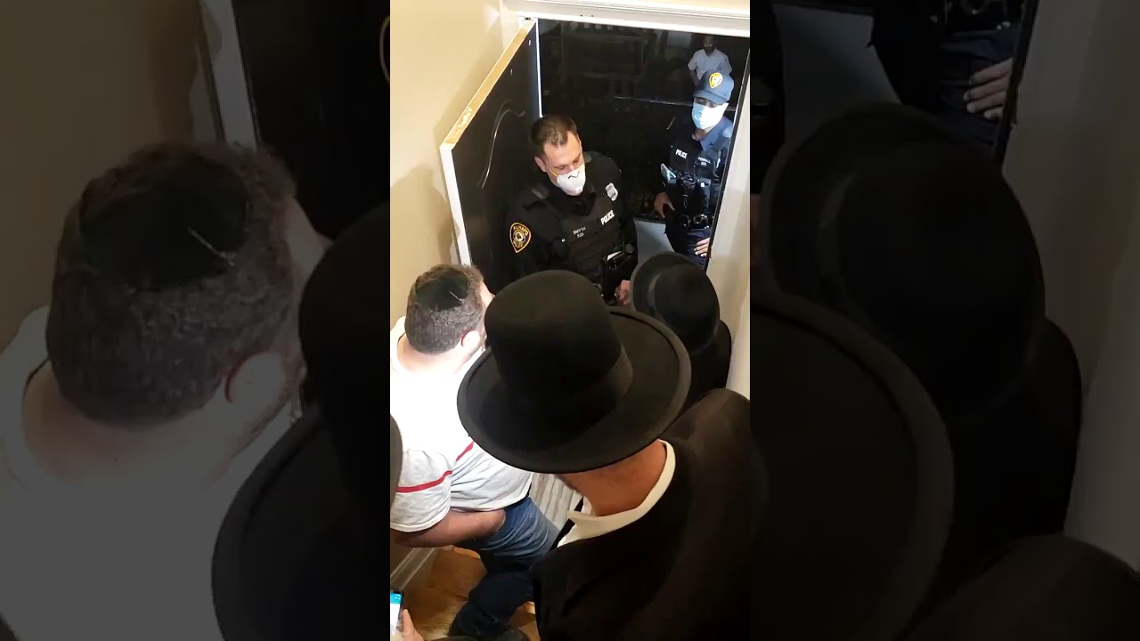 Police Officers Enter Private House to Find Jewish Gatherings in Monsey,