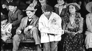 (The CIRCUS) - CIRCUS DAY (with Jackie Coogan).avi