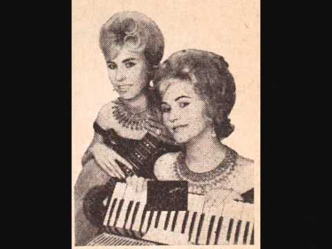 Cantando com a prima tia atrapalha - 2 7