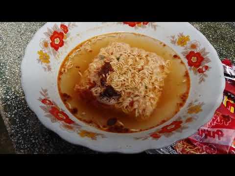 Ăn thử mì lẩu thái chua cay, nhập khẩu từ Thái xem như thế nào - NGON!